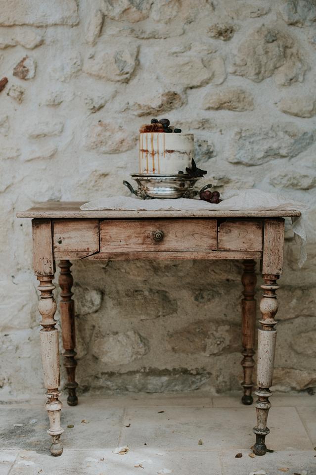 table avec gateau naked cake mariage blush plum et nude