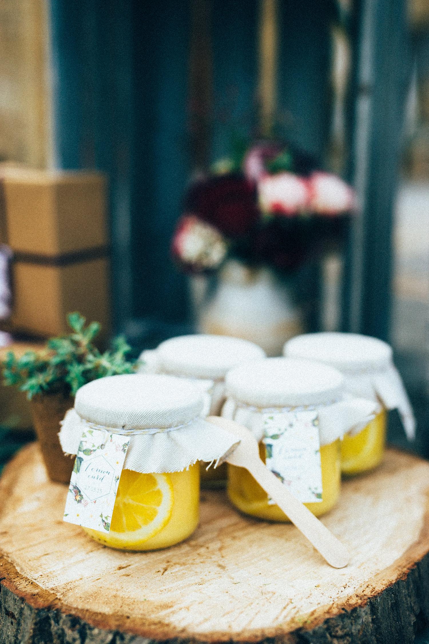 inspiration mariage petit pot lemon curd etiquette cadeau d'invité jardin botanique