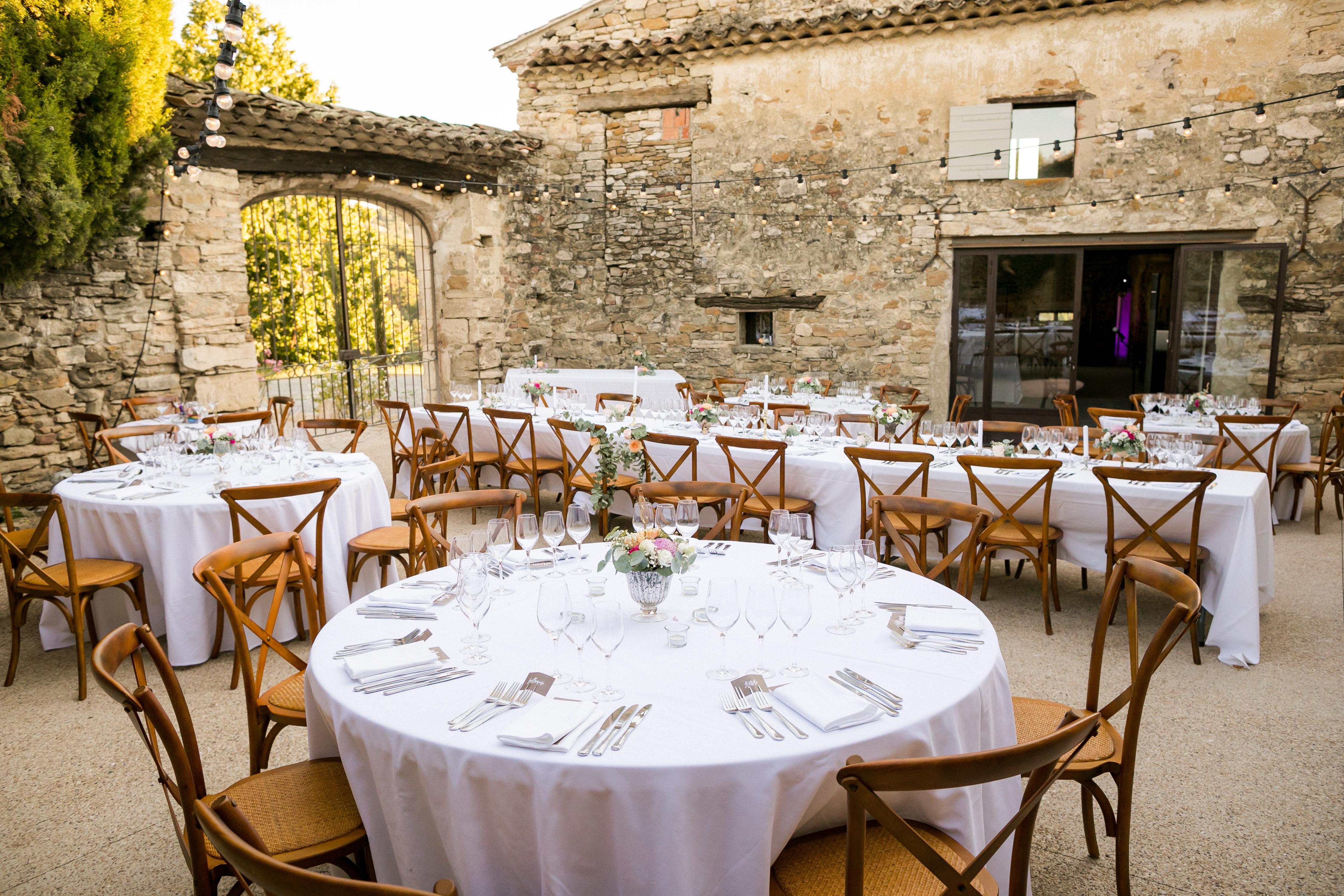 mariage pastel vintage clos de tuillier provence table mariage decoration