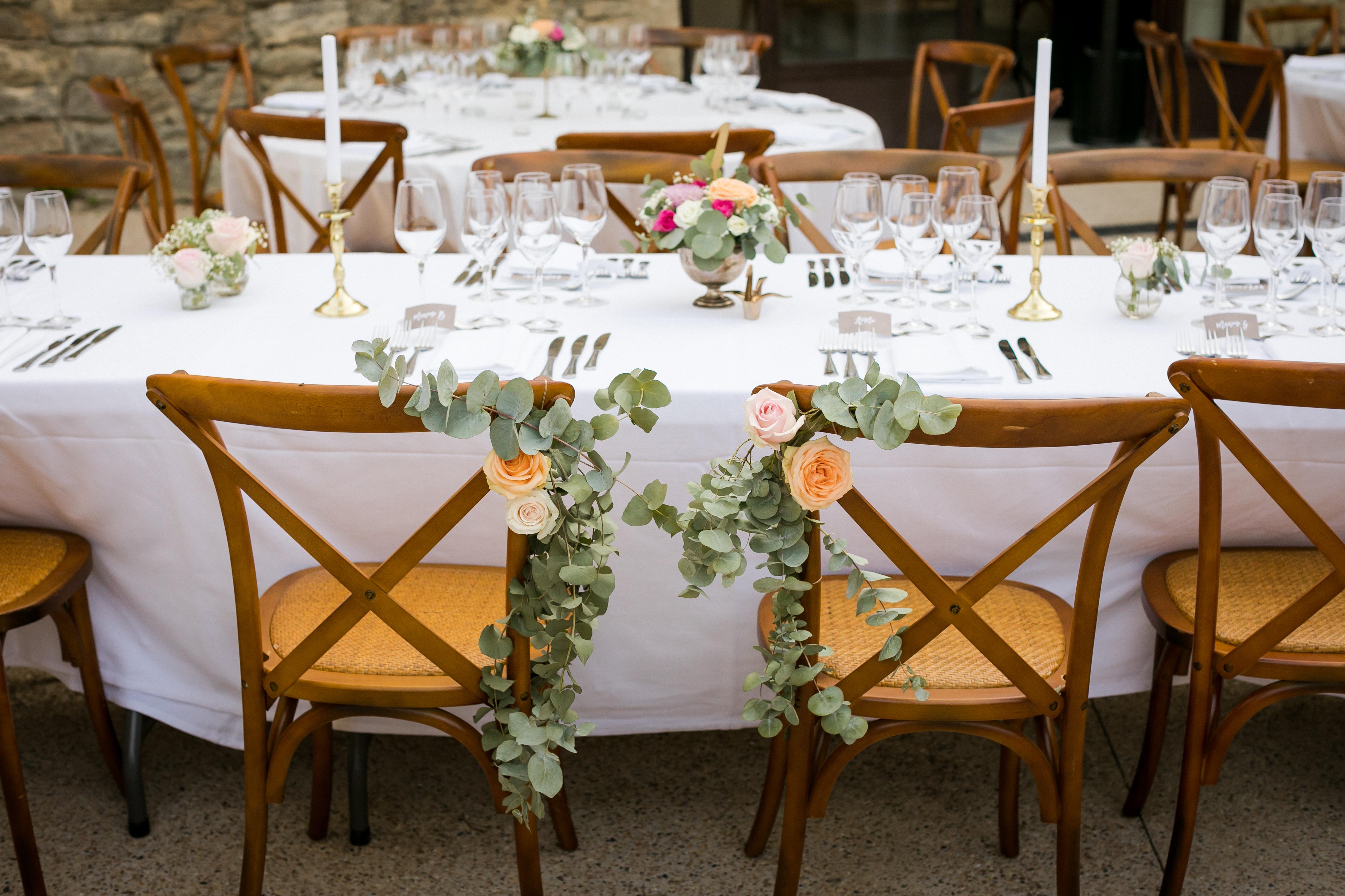 mariage pastel vintage clos de tuillier provence décoration table et chaise