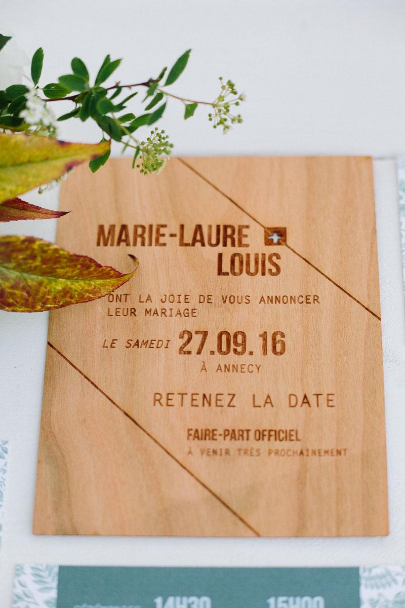 save the date bois de mariage Kindfolk et champetre avec une feuille
