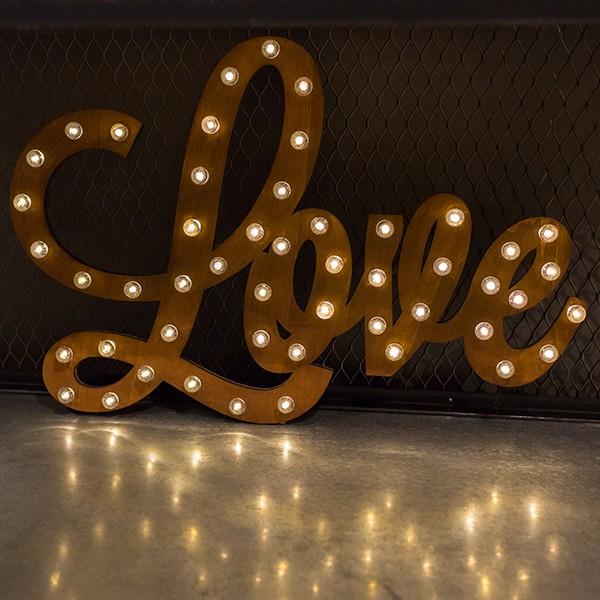 enseigne lumineuse bois love