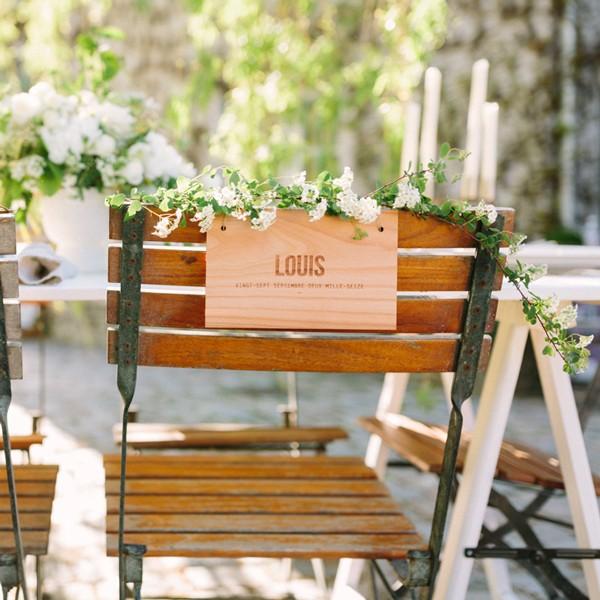 Pancarte chaise décoration mariage en bois