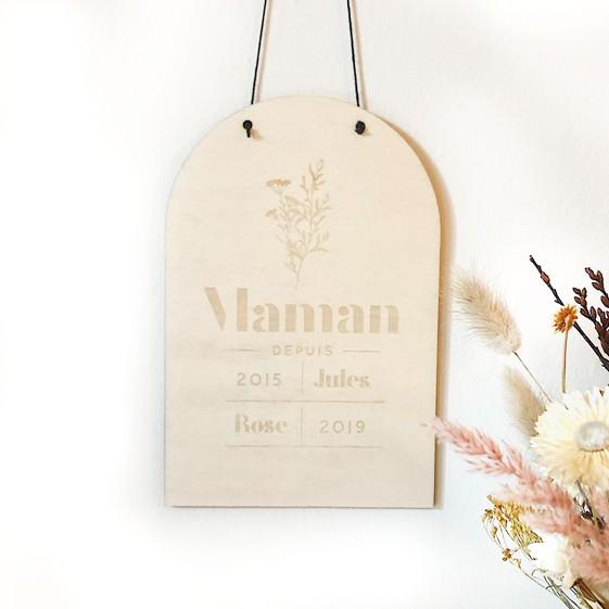 """Panneau arrondi en bois avec fleurs fête des mères """"Maman depuis.."""""""