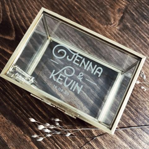 Boite à alliances gravée en verre et laiton doré jenna