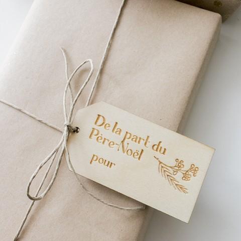 etiquette cadeau bois noel feuillage
