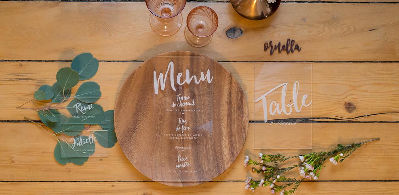 menu, numéro de table et marque-place transparent en plexi